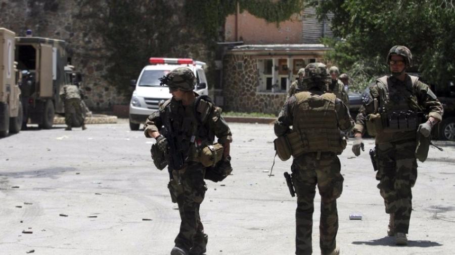 阿富汗南部遭塔利班武装袭击 至少20名警察死亡