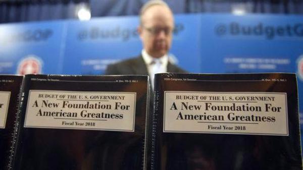 特朗普预算案在美引发巨大争议 两党都有反对声音