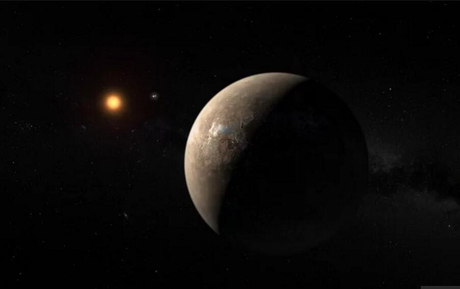 """【环球网科技报道 记者陈健】2016年8月,科学家宣布发现了类地行星比邻星B,这颗行星的发现重燃了人们对于地外生命以及跟地球类似的宜居环境的探索热情。 在发现这颗类似地球的比邻星b不久,科学家就给人们泼了冷水,说这颗行星很可能会定期受到""""毁灭性""""的恒星耀斑的影响,但是模拟实验表明这颗星球依旧很有可能存在生命。"""