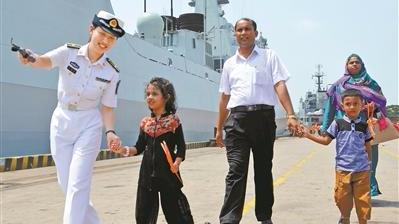 """外国女孩叫""""中国"""":中国海军医护助她平安降生"""