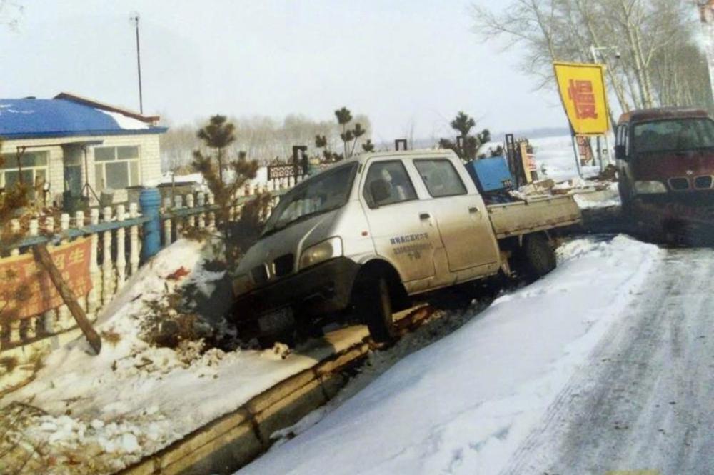 农家院一年发生48起车祸 县政府申请危险鉴定