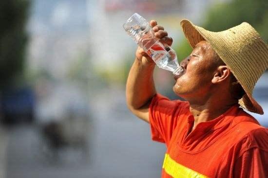 广东高温补贴本月起发放 补贴标准每人每月150元
