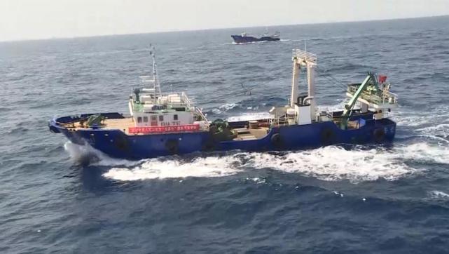 中国海军护航编队扬州舰成功护送8艘远洋捕捞渔船