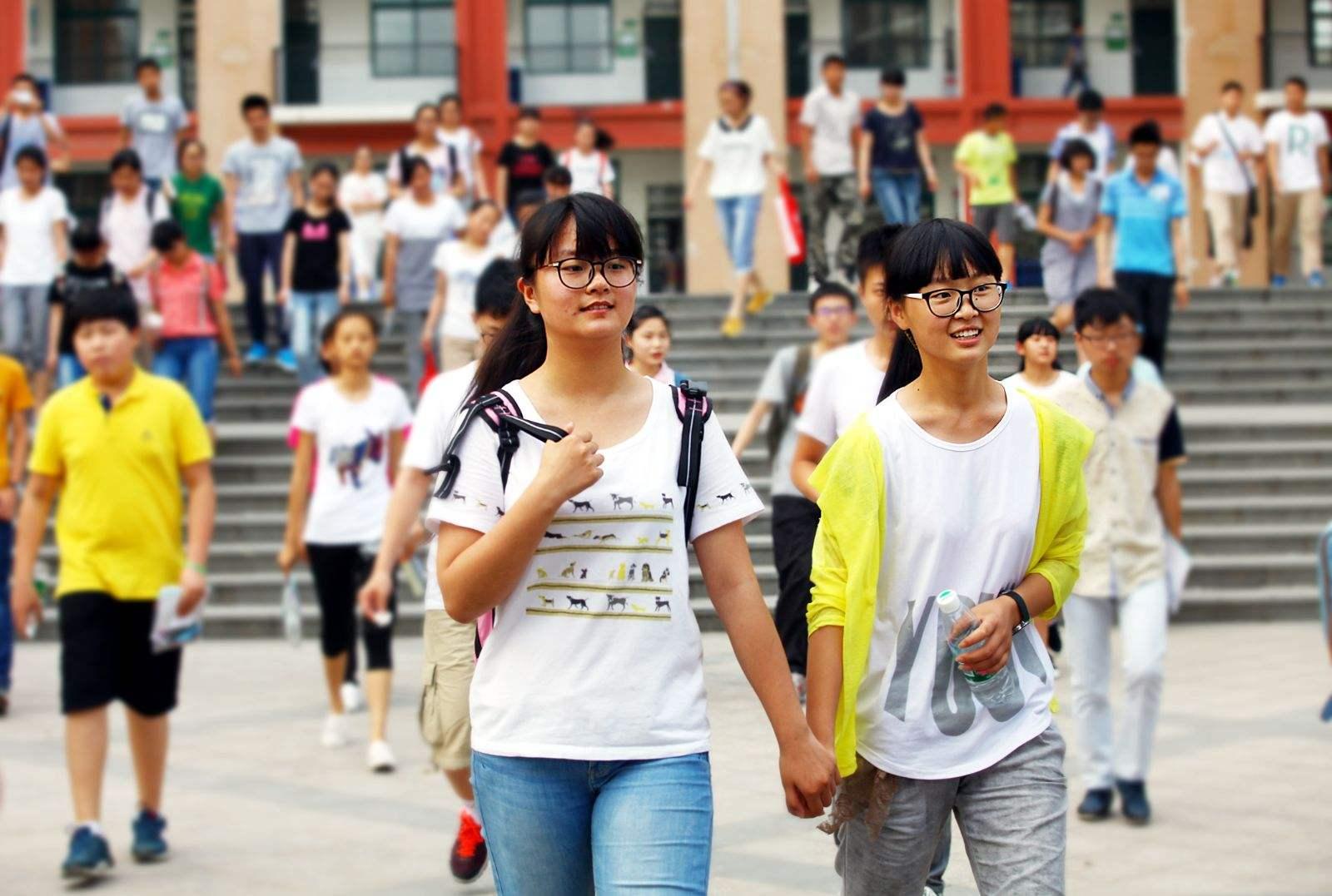 广州中考下月7日放榜 英语和化学考试让考生笑逐颜开