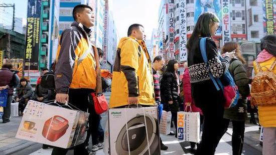 """日本拟向外国游客征税 还去""""爆买""""吗?"""