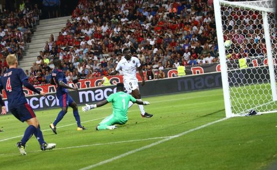 欧冠资格赛-巴神破门尼斯1-1 阿贾克斯进球献努里