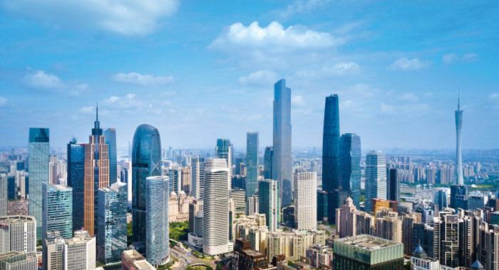 蓝天白云下,我们换个角度看广州