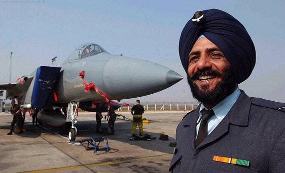 飞行员本来就不够!印度空军5年摔了29架飞机