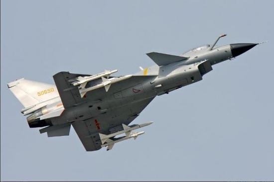 美刊对比歼-10与日本F-2性能:近战前者更有优势