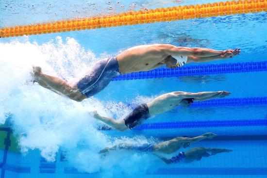 混合接力徐嘉余率中国摘铜 美国破世界纪录夺冠