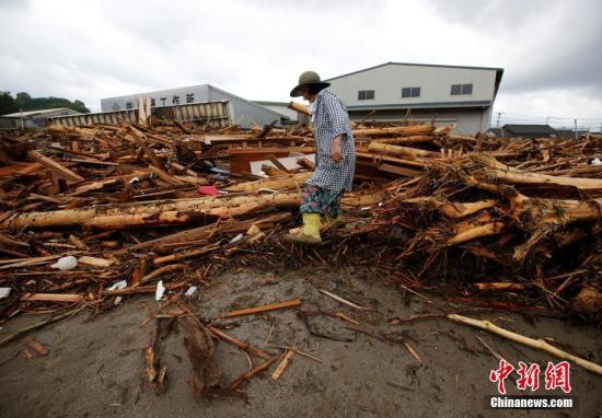 日本九州暴雨致32人死 重灾区搜救活动仍在继续