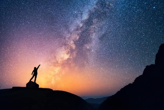 天文学家发现11光年外