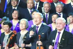 """清华""""学霸合唱团""""唱哭无数网友 这群人平均年龄超72岁"""