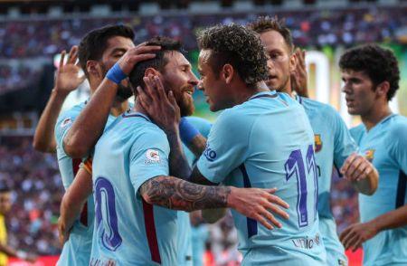 国际冠军杯-巴萨1-0力擒曼联 内马尔2战入3球