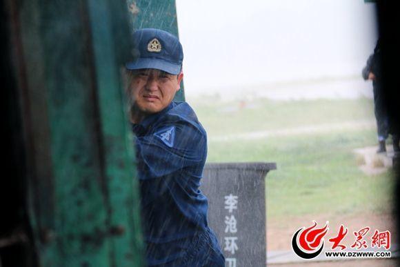 一年立三功的军中机械师赵亮:誓做战鹰守护神