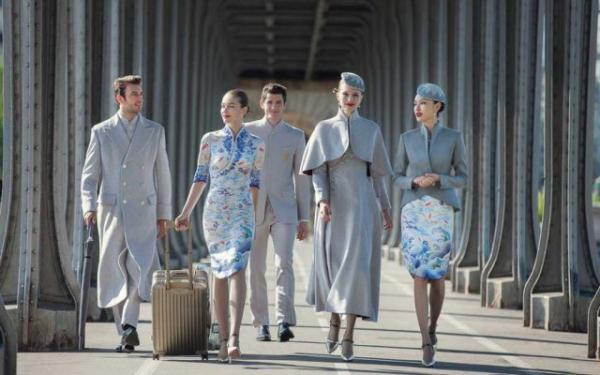这组中国版空姐制服照片在海外火了