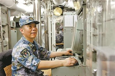 中国新型潜艇远航侦测外军反潜机 破多项纪录
