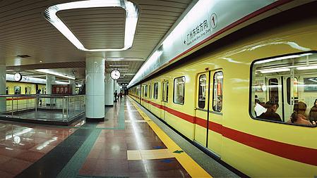 广州地铁安检年内或升级 新设安检门 物品要过X光机