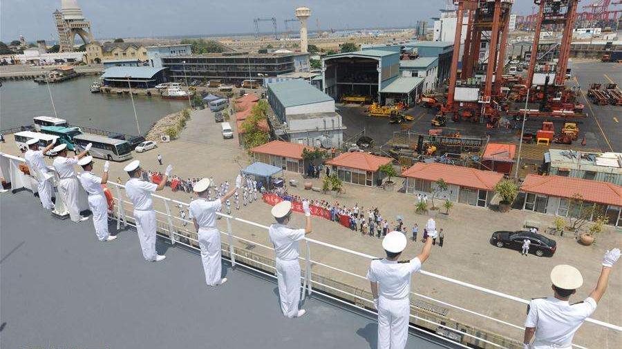 中国海军和平方舟医院船离开斯里兰卡前往亚丁湾