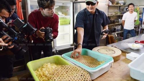 泰国餐厅向中国游客销售假燕窝 用椰子树皮假冒