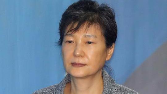 朴槿惠第54次受审 头发斑白苍老不堪