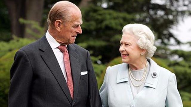 查尔斯王子又要失望了!英媒辟谣称女王不打算让位