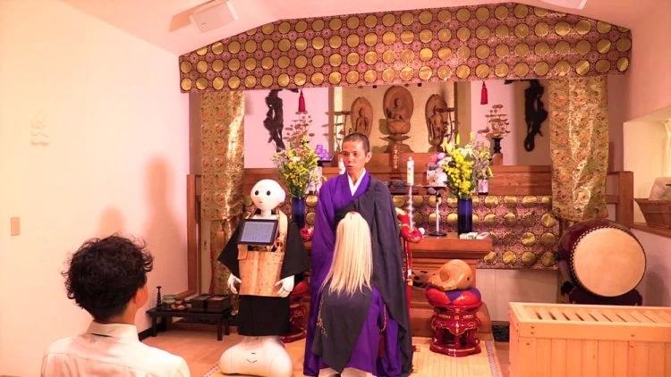 僧人也被抢饭碗 日本推出机器人为葬礼念经服务