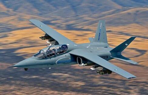 美空军挑选新轻型攻击机
