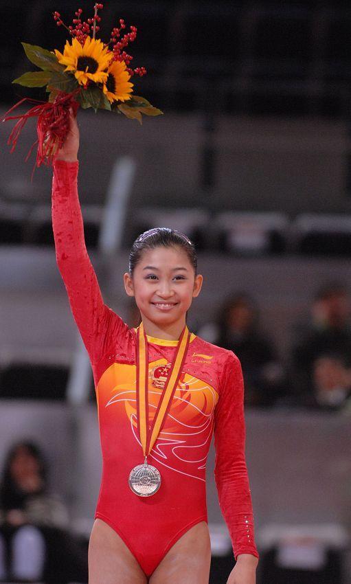 江钰源在2008年就一直被认为是女子天团的颜值担当。