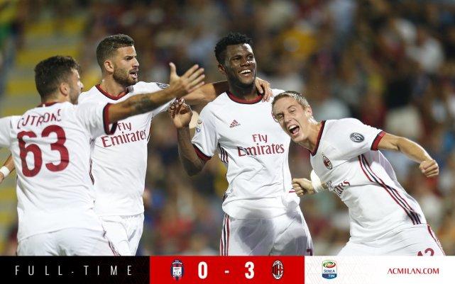 意甲-米兰3-0开门红 19岁小将独造3球