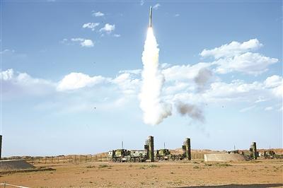 中部战区空军某地导旅:新型地空导弹首发命中