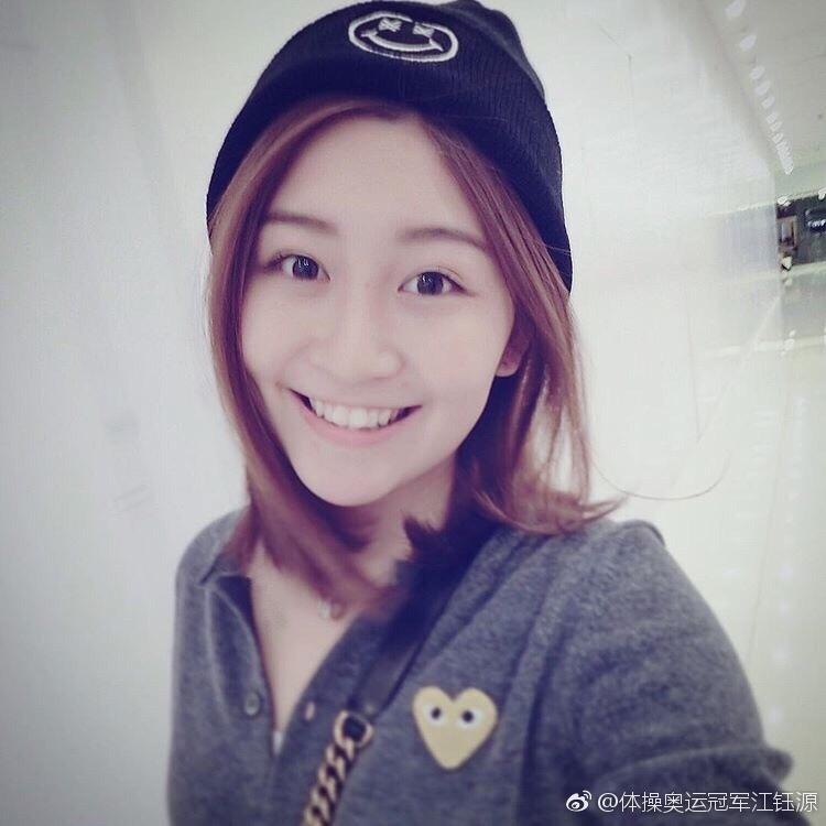 作为一名广西柳州的姑娘,江钰源有着南方妹子的温婉。