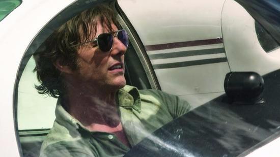 俩飞行员助拍阿汤哥新片身亡 家属:阿汤哥有责任