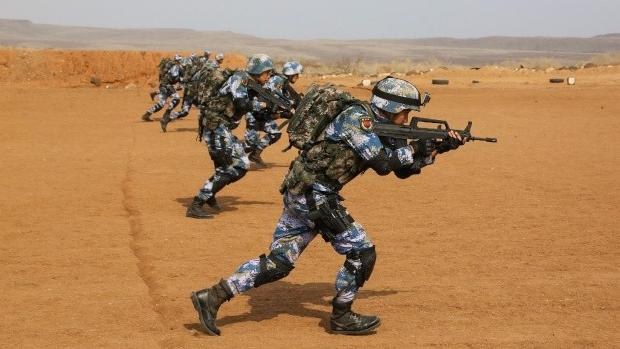 中国驻吉布提保障基地首次实弹射击训练