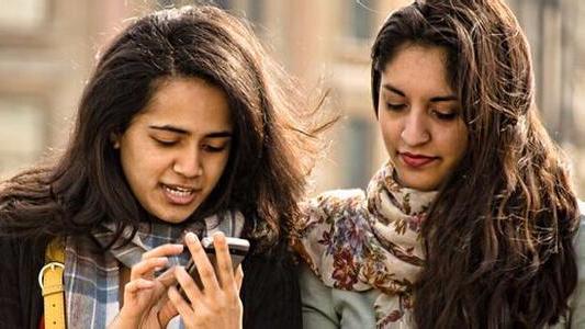 小米在印度48小时卖出100万台手机 每分钟卖300部