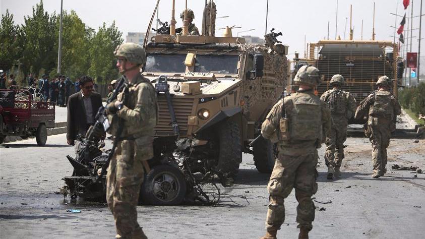 北约驻阿富汗部队军车遇袭3人受伤