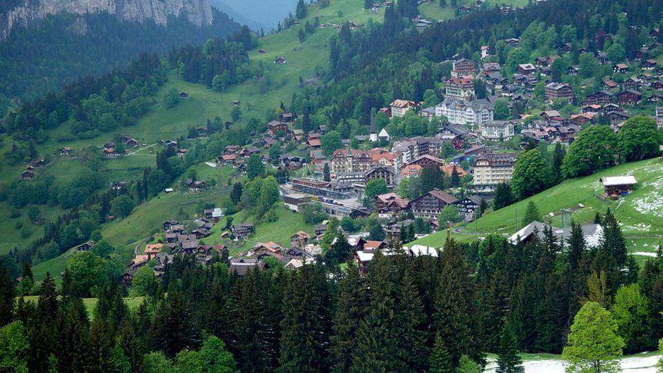瑞士开始售卖山区空气 7升装的空气21美元
