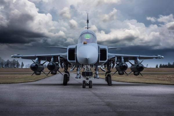 萨博宣布参与印度军机招标:可在印组装鹰狮战机