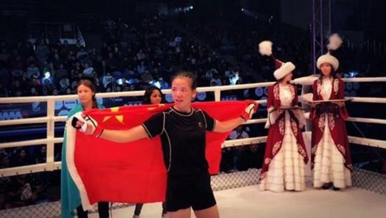 创造历史!我国90后萌妹击败欧美猛女勇夺冠军