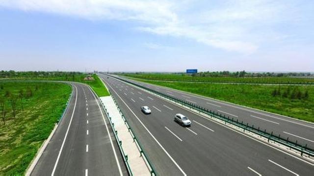 今年底广东高速公路通车里程将突破8300公里