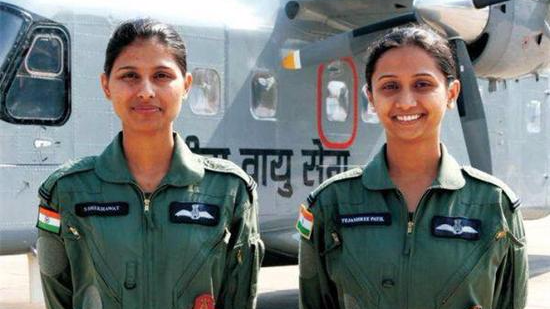 印度首批女战机飞行员将于2个月后正式任职