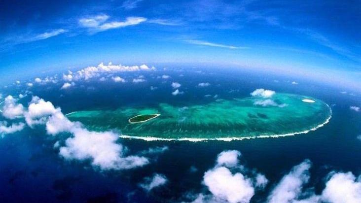 美军舰擅自进入中国西沙群岛领海 中方予以警告驱离
