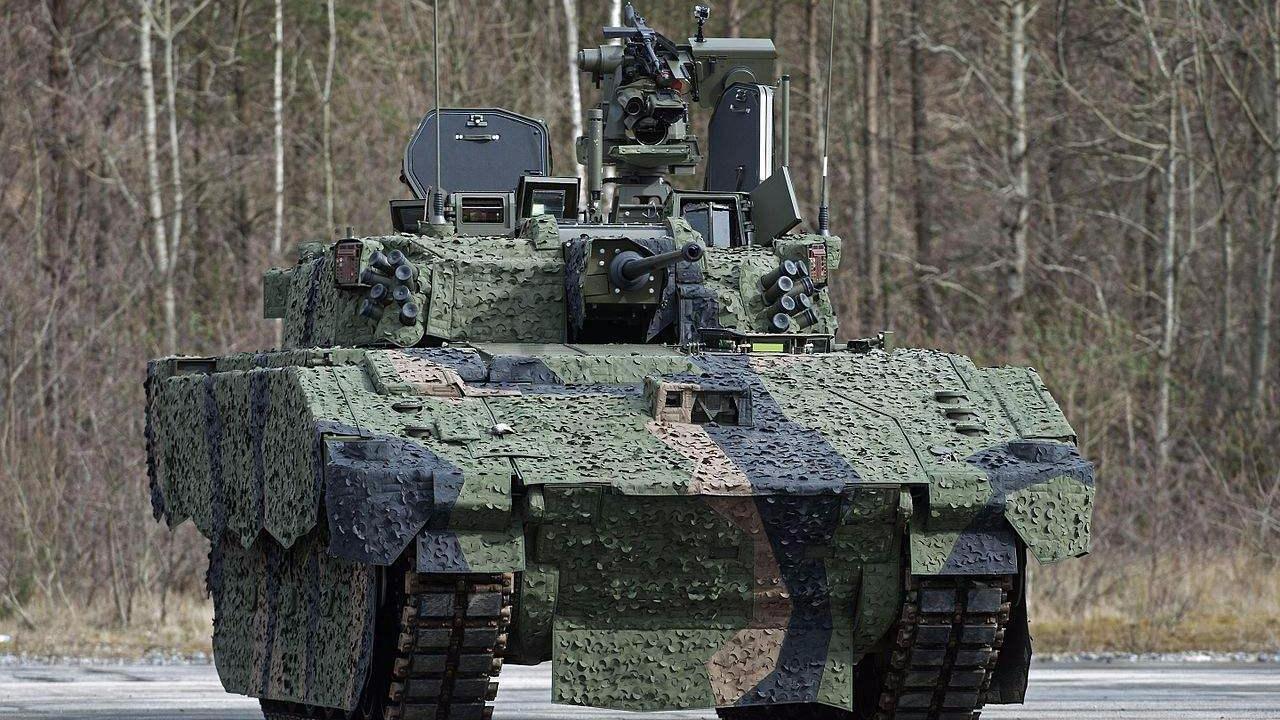 英国新型装甲车启动测试