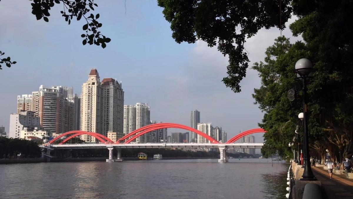 广州解放桥着红装,换新颜!