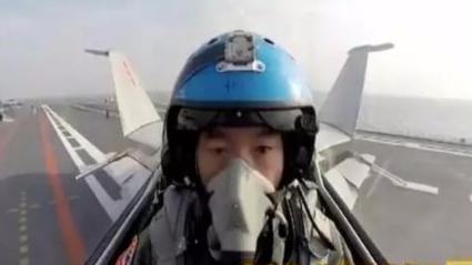 歼15飞行员曹先建:劫难后再度复飞