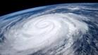 """史上最强风暴袭击爱尔兰 """"奥费利娅""""威力不小"""