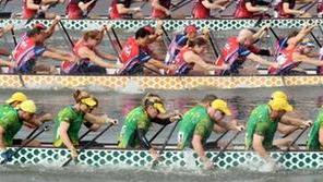 龙舟世锦赛赛程近半 中国队斩获8金2银4铜