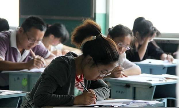 """英媒:英考试成绩,华裔学生""""完爆""""其他族裔"""