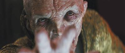 《星球大战8》发预告片 宇宙家族相爱相杀