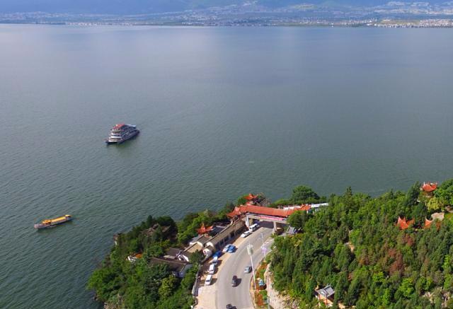 云南大理洱海游船10月30日起暂停运营 开展环保治理